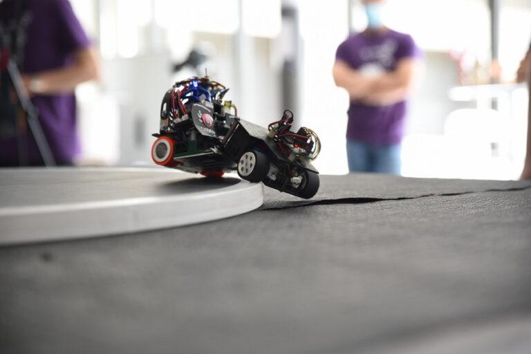 Robotvore sort Trobot